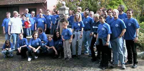 Gruppenfoto am Brunnen