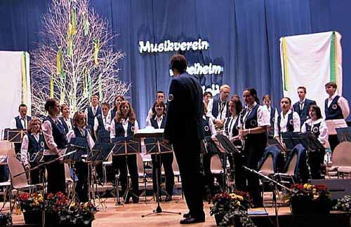 Unsere Jugendkapelle mit ihrem Dirigenten Markus Elmer.